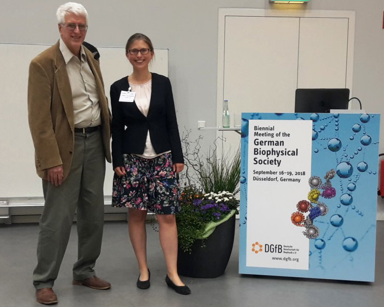 Marie Luise Grünbein (right) and her mentor R. Bruce Doak (left) at the award presentation on September 19th in Düsseldorf, Germany.